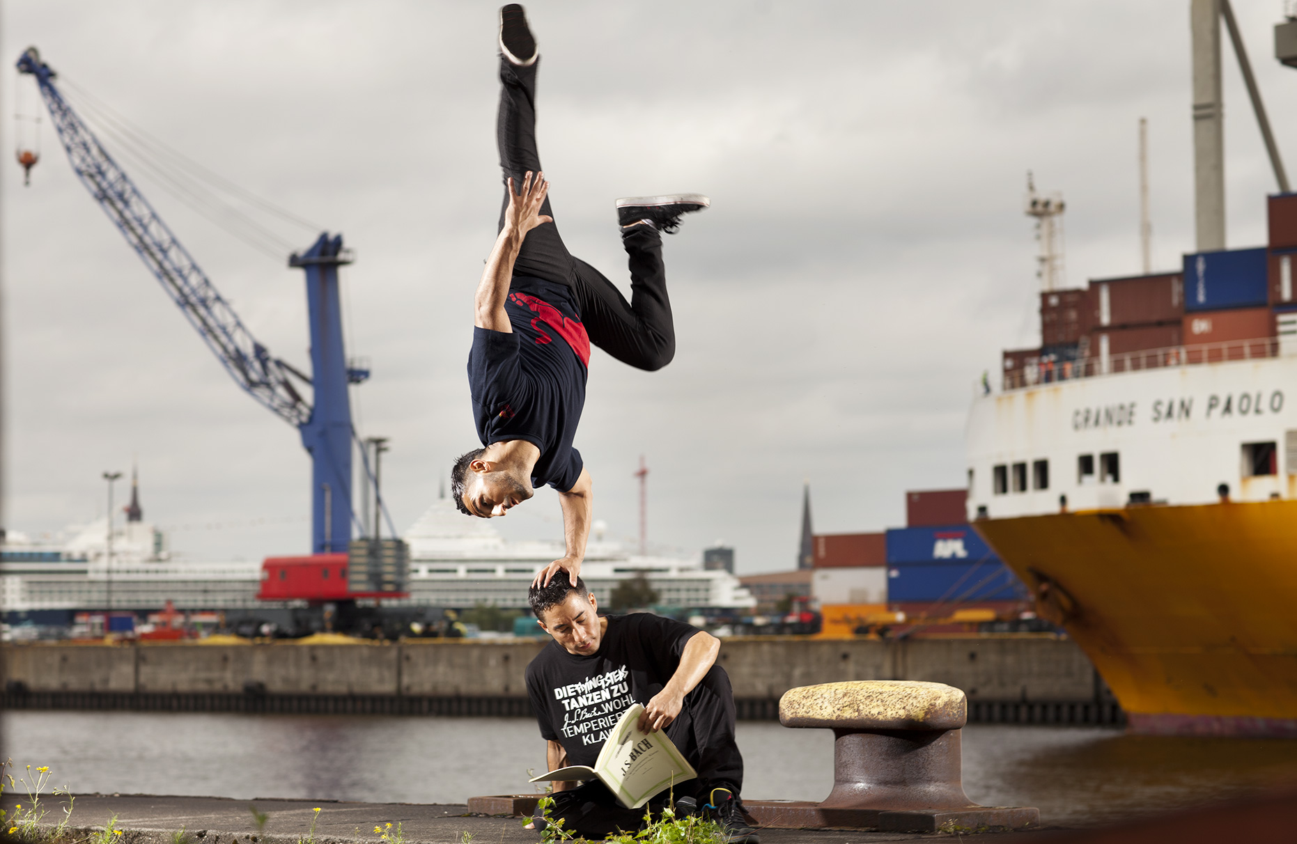 © Dirk Mathesius, Benny & Gengis from the Red Bull Flying Bach Crew, Hamburg, 2011